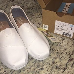 TOMS, NWT Classic Optic White Canvas,Men's Size 10